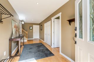 Photo 2: 35624 DINA Place in Abbotsford: Abbotsford East House for sale : MLS®# R2410757