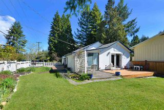 Photo 2: 583 GOWER Road in Gibsons: Gibsons & Area House for sale (Sunshine Coast)  : MLS®# R2436118
