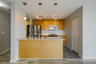 Photo 8: 1103 39 SIXTH STREET in New Westminster: Downtown NW Condo for sale : MLS®# R2436889