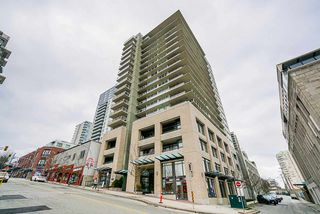 Photo 3: 1103 39 SIXTH STREET in New Westminster: Downtown NW Condo for sale : MLS®# R2436889