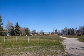Photo 35: 145 Lake Ridge Road in Winnipeg: Crestview Residential for sale (5H)  : MLS®# 202009566
