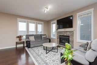 Photo 4: 3087 Whitelaw Drive in Edmonton: Zone 56 House Half Duplex for sale : MLS®# E4197251