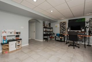 Photo 37: 3087 Whitelaw Drive in Edmonton: Zone 56 House Half Duplex for sale : MLS®# E4197251