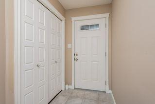 Photo 2: 3087 Whitelaw Drive in Edmonton: Zone 56 House Half Duplex for sale : MLS®# E4197251