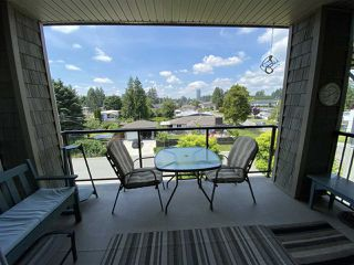 """Photo 13: 402 2068 SANDALWOOD Crescent in Abbotsford: Central Abbotsford Condo for sale in """"The Sterling 2"""" : MLS®# R2469396"""