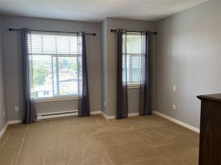 """Photo 9: 402 2068 SANDALWOOD Crescent in Abbotsford: Central Abbotsford Condo for sale in """"The Sterling 2"""" : MLS®# R2469396"""