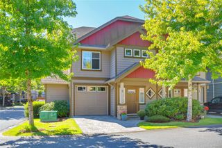 Photo 1: 5 2210 Sooke Rd in : Co Hatley Park Row/Townhouse for sale (Colwood)  : MLS®# 855090