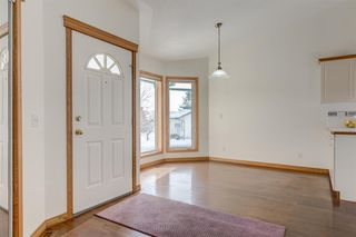 Photo 8: 25 Strathearn Gardens SW in Calgary: Strathcona Park Semi Detached for sale : MLS®# A1045110