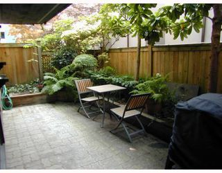 Photo 1: 105 2416 W 3RD Avenue in Vancouver: Kitsilano Condo for sale (Vancouver West)  : MLS®# V774540