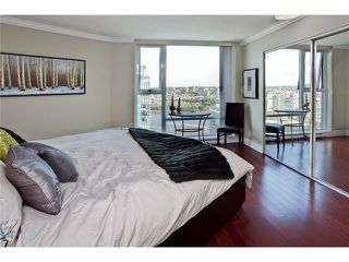 """Photo 7: 3002 455 BEACH Crescent in Vancouver: Yaletown Condo for sale in """"PARK WEST ONE"""" (Vancouver West)  : MLS®# V949559"""