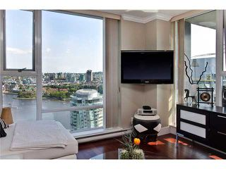 """Photo 3: 3002 455 BEACH Crescent in Vancouver: Yaletown Condo for sale in """"PARK WEST ONE"""" (Vancouver West)  : MLS®# V949559"""