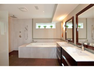 Photo 10: 3977 SUNSET Boulevard in North Vancouver: Capilano Highlands House for sale : MLS®# V952217