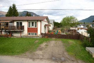 Photo 2: 1909 Kate Street in Enderby: House for sale : MLS®# 10081408