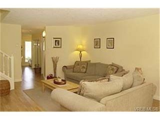 Photo 4: 3 172 Belmont Road in VICTORIA: Co Colwood Corners Townhouse for sale (Colwood)  : MLS®# 229745