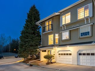 Photo 1: 190 3437 42 Street NW in Calgary: Varsity Row/Townhouse for sale : MLS®# C4288793
