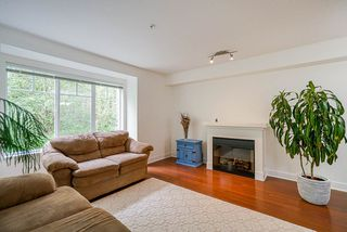 """Photo 5: 52 20038 70 Avenue in Langley: Willoughby Heights Townhouse for sale in """"Daybreak"""" : MLS®# R2452614"""