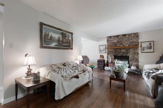 Photo 3: 3012 105 Avenue in Edmonton: Zone 23 House for sale : MLS®# E4198282