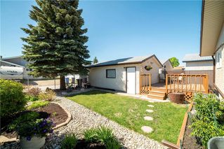 Photo 2: 26 Leahcrest Crescent in Winnipeg: Maples Residential for sale (4H)  : MLS®# 202011637