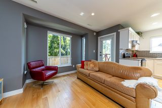Photo 8: 1106 ST. GEORGES Avenue in North Vancouver: Central Lonsdale Townhouse for sale : MLS®# R2460985