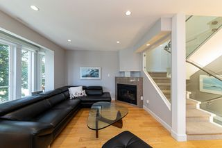 Photo 6: 1106 ST. GEORGES Avenue in North Vancouver: Central Lonsdale Townhouse for sale : MLS®# R2460985