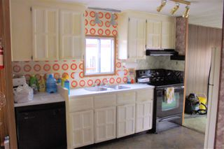 """Photo 4: 8 8266 KING GEORGE Boulevard in Surrey: West Newton Manufactured Home for sale in """"THE PLAZA"""" : MLS®# R2462748"""