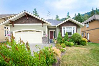 """Photo 35: 41424 DRYDEN Road in Squamish: Brackendale House for sale in """"BRACKEN ARMS"""" : MLS®# R2480357"""