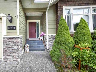 """Photo 3: 41424 DRYDEN Road in Squamish: Brackendale House for sale in """"BRACKEN ARMS"""" : MLS®# R2480357"""