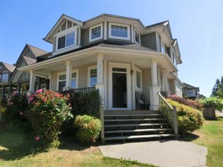 Photo 2: 18556 67A Avenue in Surrey: Cloverdale BC House for sale (Cloverdale)  : MLS®# R2484219