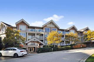 """Photo 1: 103 6420 194 Street in Surrey: Cloverdale BC Condo for sale in """"WATERSTONE"""" (Cloverdale)  : MLS®# R2508915"""