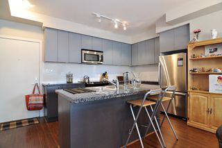 """Photo 5: 103 6420 194 Street in Surrey: Cloverdale BC Condo for sale in """"WATERSTONE"""" (Cloverdale)  : MLS®# R2508915"""