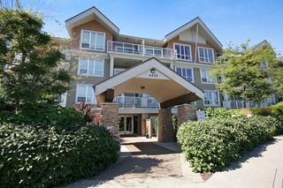 """Photo 12: 103 6420 194 Street in Surrey: Cloverdale BC Condo for sale in """"WATERSTONE"""" (Cloverdale)  : MLS®# R2508915"""