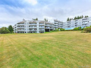 Main Photo: 510 2562 Departure bay Rd in : Na Departure Bay Condo for sale (Nanaimo)  : MLS®# 858669