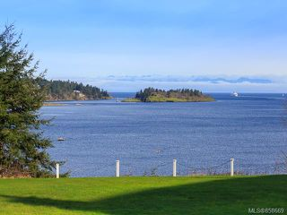 Photo 2: 510 2562 Departure bay Rd in : Na Departure Bay Condo for sale (Nanaimo)  : MLS®# 858669