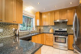 Photo 8: 10621 HOLLYBANK Drive in Richmond: Steveston North House for sale : MLS®# R2523570