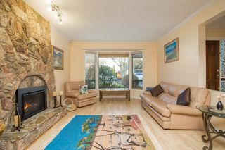 Photo 4: 10621 HOLLYBANK Drive in Richmond: Steveston North House for sale : MLS®# R2523570