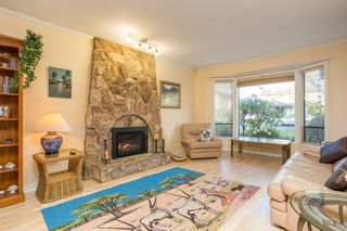 Photo 3: 10621 HOLLYBANK Drive in Richmond: Steveston North House for sale : MLS®# R2523570