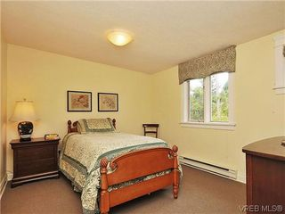Photo 12: 1575 Montgomery Avenue in VICTORIA: Vi Rockland Residential for sale (Victoria)  : MLS®# 318035