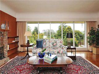 Photo 3: 1575 Montgomery Avenue in VICTORIA: Vi Rockland Residential for sale (Victoria)  : MLS®# 318035