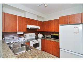 """Photo 5: 111 7089 MONT ROYAL Square in Vancouver: Champlain Heights Condo for sale in """"CHAMPLAIN VILLAGE"""" (Vancouver East)  : MLS®# V1019730"""