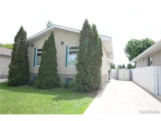 Photo 1: 1307 12TH Avenue North in Regina: Uplands Single Family Dwelling for sale (Regina Area 01)  : MLS®# 503578