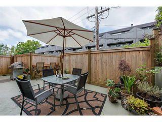 Photo 1: 2669 W 10TH AV in Vancouver: Kitsilano Condo for sale (Vancouver West)  : MLS®# V1122231