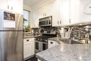 Photo 4: 33 638 W 6TH AVENUE in Vancouver: Fairview VW Townhouse for sale (Vancouver West)  : MLS®# R2118678