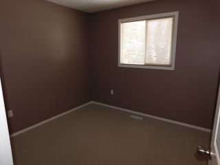 Photo 12: 3 Bedroom half Duplex in Westgrove area of Edson, AB