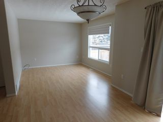 Photo 4: 3 Bedroom half Duplex in Westgrove area of Edson, AB