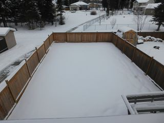Photo 25: 3 Bedroom half Duplex in Westgrove area of Edson, AB