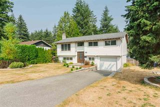 Photo 1: 20235 36th Avenue in Langley: Brookswood Langley House for sale : MLS®# R2301406