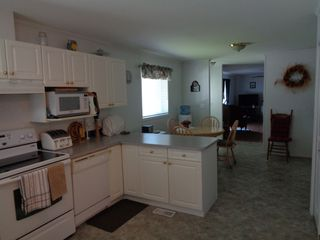 Photo 3: 90-2401 ORD ROAD in KAMLOOPS: BROCKLEHURST Manufactured Home for sale : MLS®# 151501