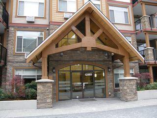 Photo 2: 205 12565 190A Street in CEDAR DOWNS: Home for sale : MLS®# r2207991