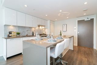 Photo 7: 1702 5883 BARKER AVENUE in Burnaby: Metrotown Condo for sale (Burnaby South)  : MLS®# R2420106