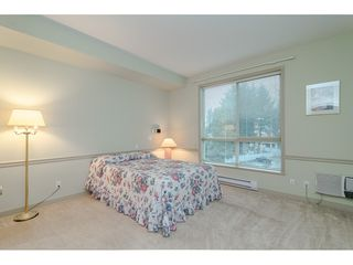 """Photo 12: 305 33485 SOUTH FRASER Way in Abbotsford: Central Abbotsford Condo for sale in """"Citadel Ridge"""" : MLS®# R2425076"""